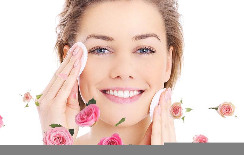 فواید گلاب برای درخشندگی و لطافت پوست