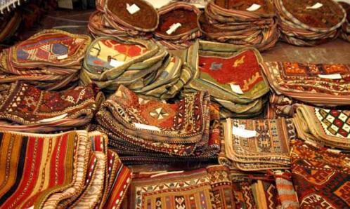 بازارچه محصولات بومی محلی تات در شاهرود خلخال دایر می گردد