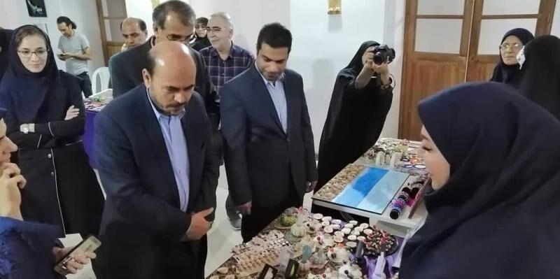 خبرنگاران نمایشگاه آوای دستان زنان جنوب در بوشهر برپا شد