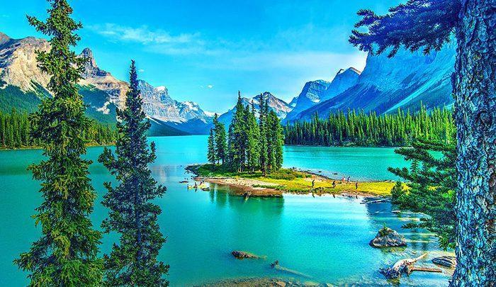 زیباترین دریاچه های دنیا با پس زمینه ای چون کوه ها ، جنگل ها و صخره ها ، تصاویر
