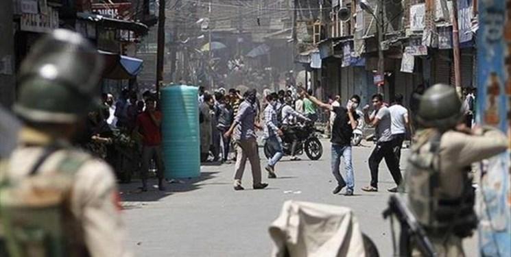 رویترز: در مهم ترین شهر کشمیر حکومت نظامی برقرار شد