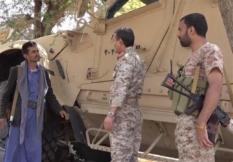 یمن، حمله به متجاوزان در حجه، بازدید وزیر دفاع از خوردوهای زرهی به غنمیت گرفته شده
