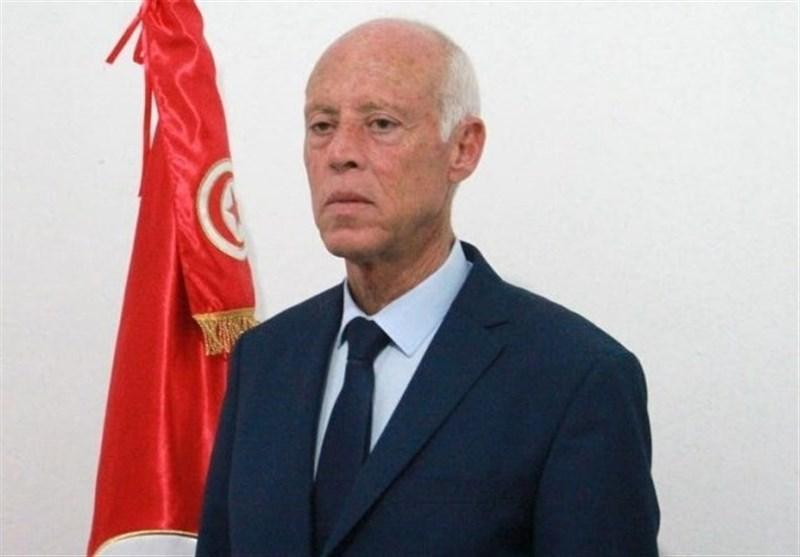 رئیس جمهور منتخب تونس در حال رانندگی