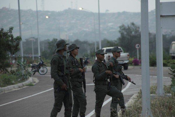 حمله گروههای افراطی اپوزیسیون به یگان ارتش ونزوئلا، یک تن کشته شد