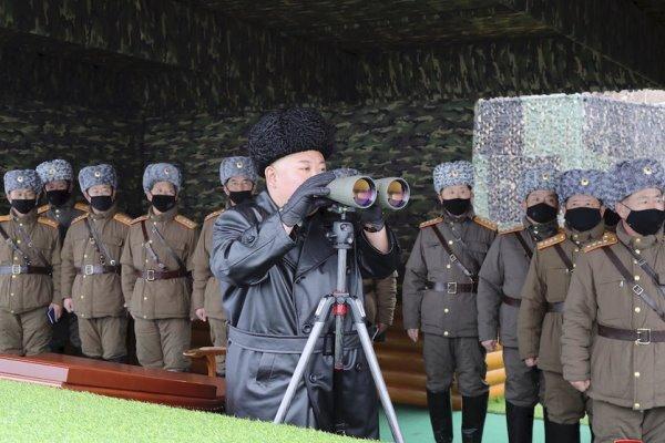 برگزاری رزمایش توپخانه ای کره شمالی با حضور کیم جونگ اون