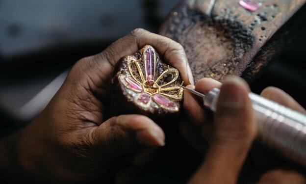 جواهرات بازار جوهری جیپور؛ بزرگترین مرکز سنگ تراشی جهان