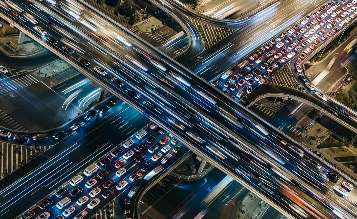 مقابله با آلودگی هوا به یاری چراغ هدایت هوشمند