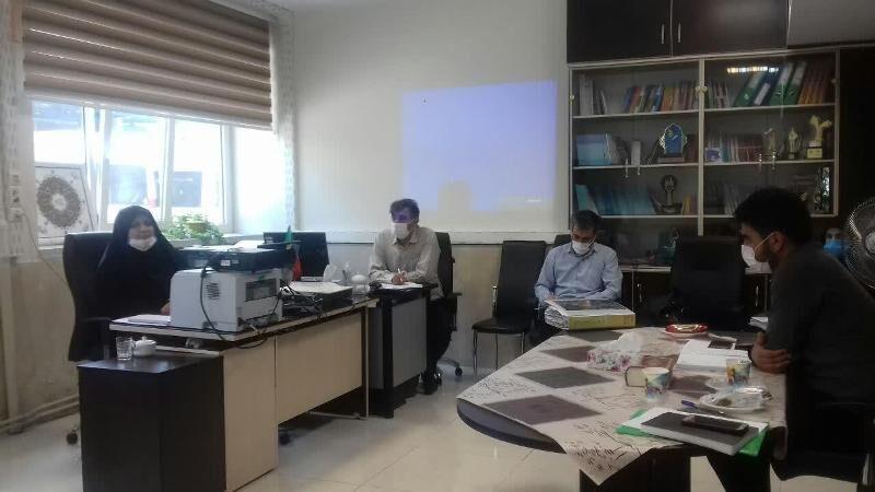 خبرنگاران پیشگیری از آسیب ها با طرح نماد در مدارس