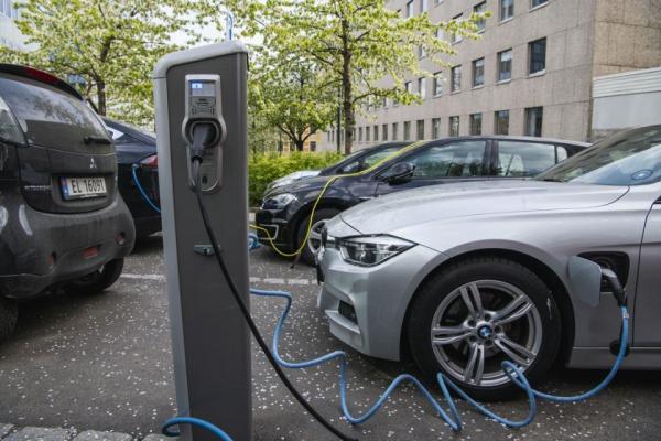 خبرنگاران بهبود نسبی بازار خودرو اروپا در سال 2021