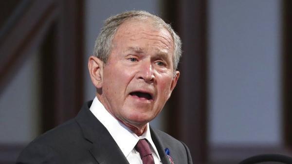 جورج بوش: خروج آمریکا از افغانستان اشتباه است