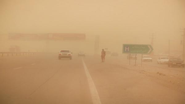 طوفان 261 نفر را در منطقه سیستان روانه بیمارستان کرد