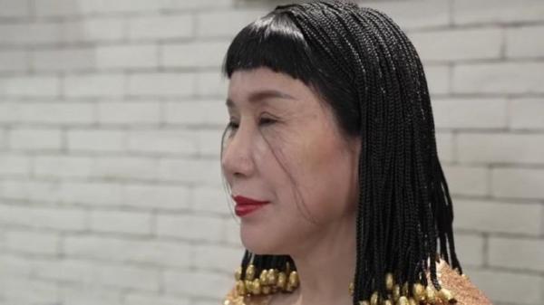 زن چینی رکورد داشتن بلندترین مژه دنیا را شکست!